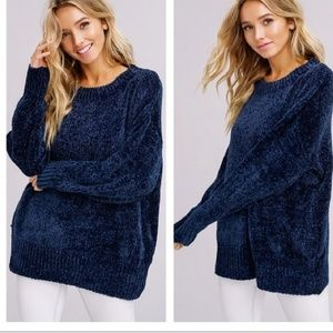 Sweaters - Oversized Pullover Sweater